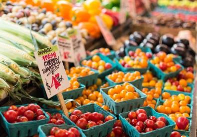 farmers market tomatos.jpg