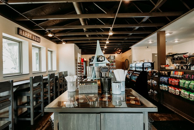 Ohio's Winding Road Stories: Hocking Hills Inn and Coffee Emporium